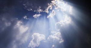 """""""Piegò i cieli e discese"""" (Sal 17,10): una riflessione natalizia"""